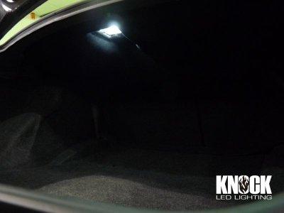 画像1: 05〜10 クライスラー300用 トランクルーム用LEDバルブ ホワイト